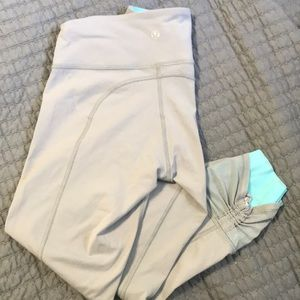 Size 6 lululemon crop, gray with Tiffany blue